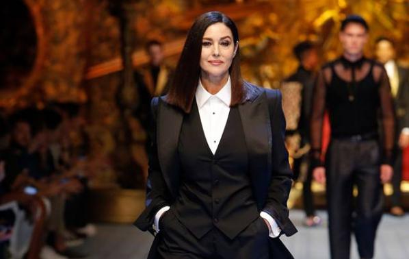 Моника Белучи - голямата звезда на Седмицата на модата в Милано