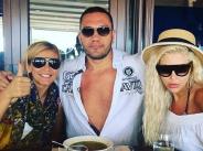Кубрат Пулев на море с Андреа и Анелия