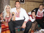 Андреа, Кубрат и Тервел се премениха в народни носии