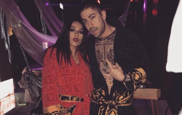 Диона и Жоро се появиха по халати в столичен клуб