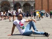 Крум на кратка ваканция във Венеция width=
