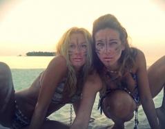 Мария Игнатова и Алекс Раева от Малдивите - диви и секси